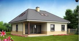 Традиционный дом с мансардой, с большим углом наклона крыши.